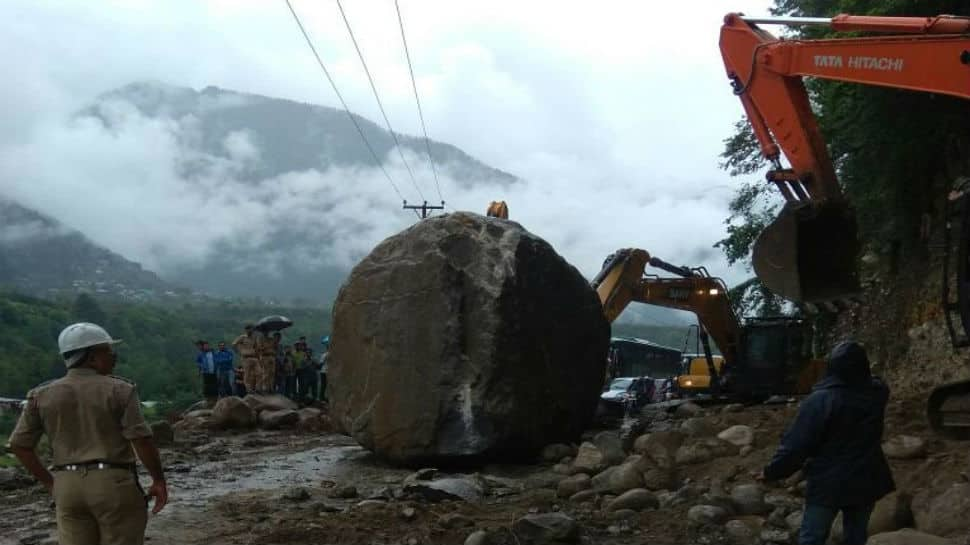 NH 3 blocked near Manali after huge boulders come hurling down