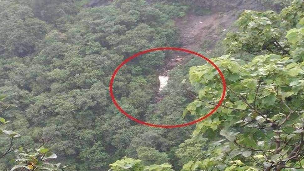 Maharashtra: 25 bodies recovered from Raigad bus accident site
