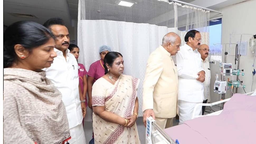 First photo of Karunanidhi from hospital released, Vice President​ Venkaiah Naidu comes calling