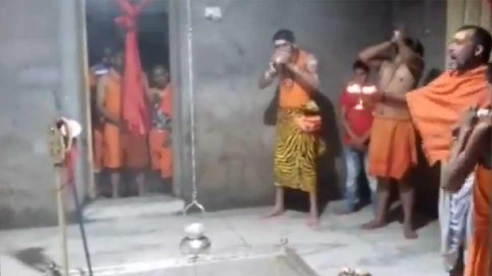 Tej Pratap dons lord Shiva avatar, offers prayers in Patna before Deoghar visit - Watch