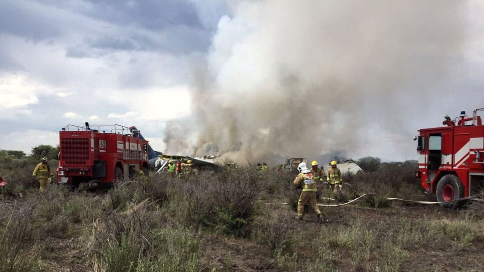 Passenger jet crashes in Mexico, 85 people injured