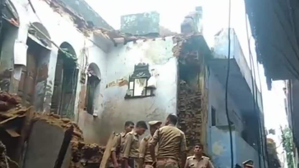 Lucknow: Building collapses in Aminabad following heavy rainfall