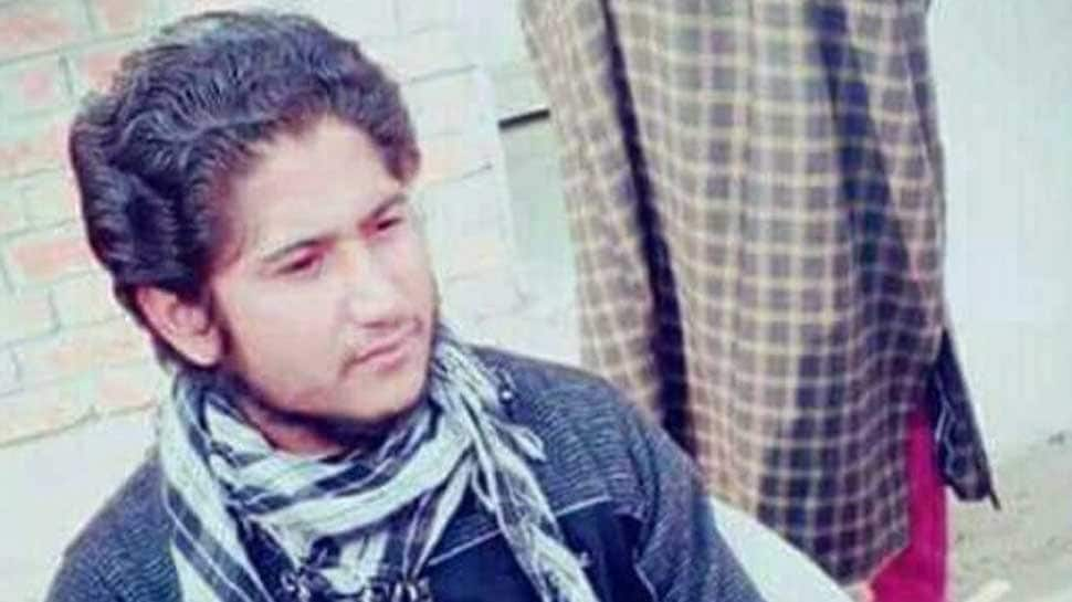 LeT's Naveed Jatt spotted at terrorist's funeral in Shopian, pictures viral on social media