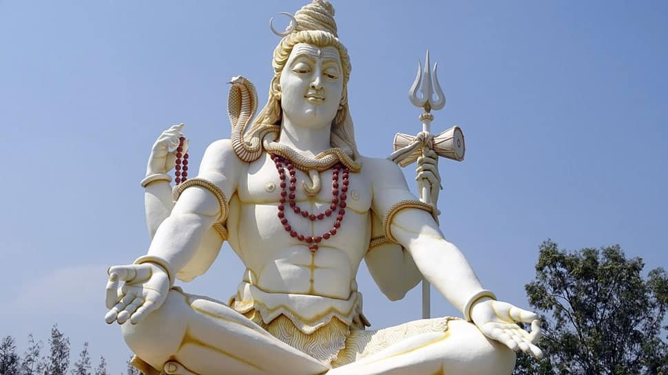 Shravan 2018: Sudarsan Pattnaik pays sand art tribute to Lord Shiva—Pic