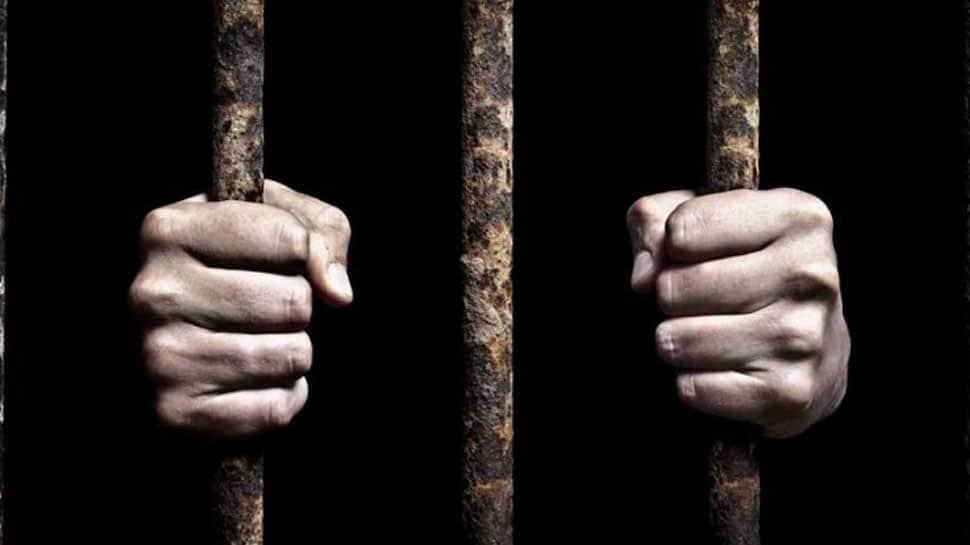 Buddhist monk in Sri Lanka gets 6 years' jail in contempt case