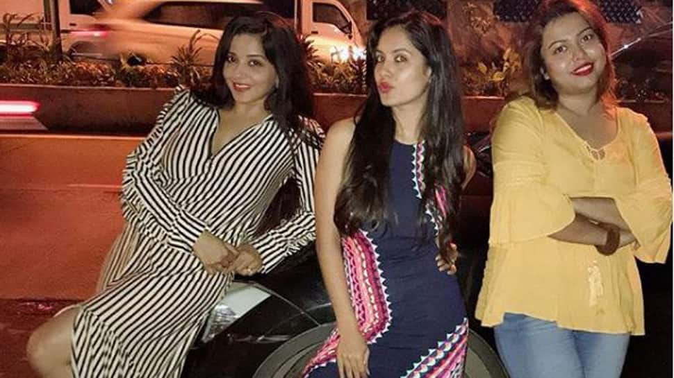 Monalisa's picture with Puja Banerjee and Swagata Nag is going viral on the internet-See inside