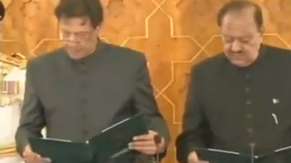 Imran Khan fumbles, says 'sorry' while taking oath as Pakistan's 22nd PM: Watch