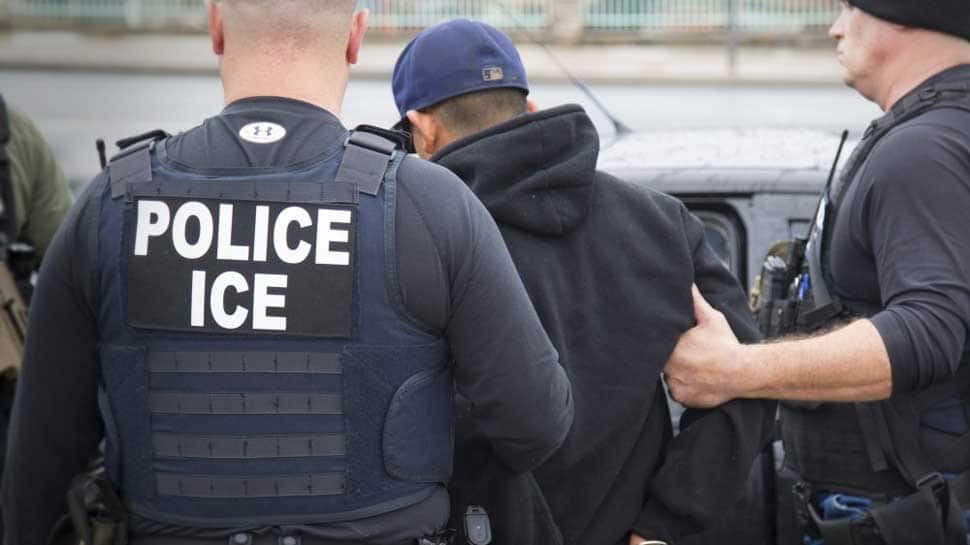 Pregnant US woman's husband arrested by immigration officials on way to hospital