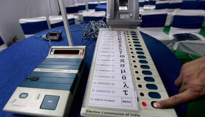 Ahead of meeting with Election Commission, Congress again demands paper ballots