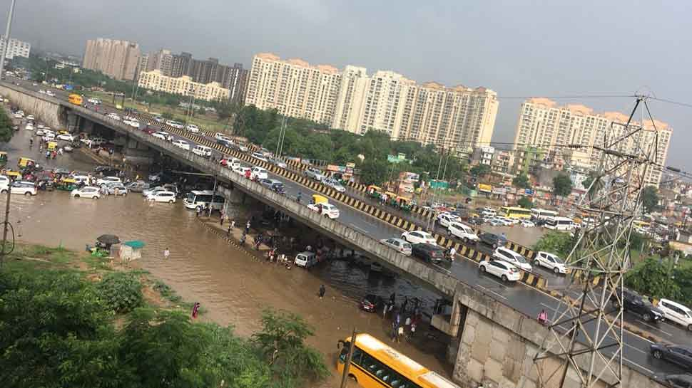 Heavy rain in Gurugram leaves city submerged in water; see pics and videos  of harrowing experience | Gurugram News | Zee News