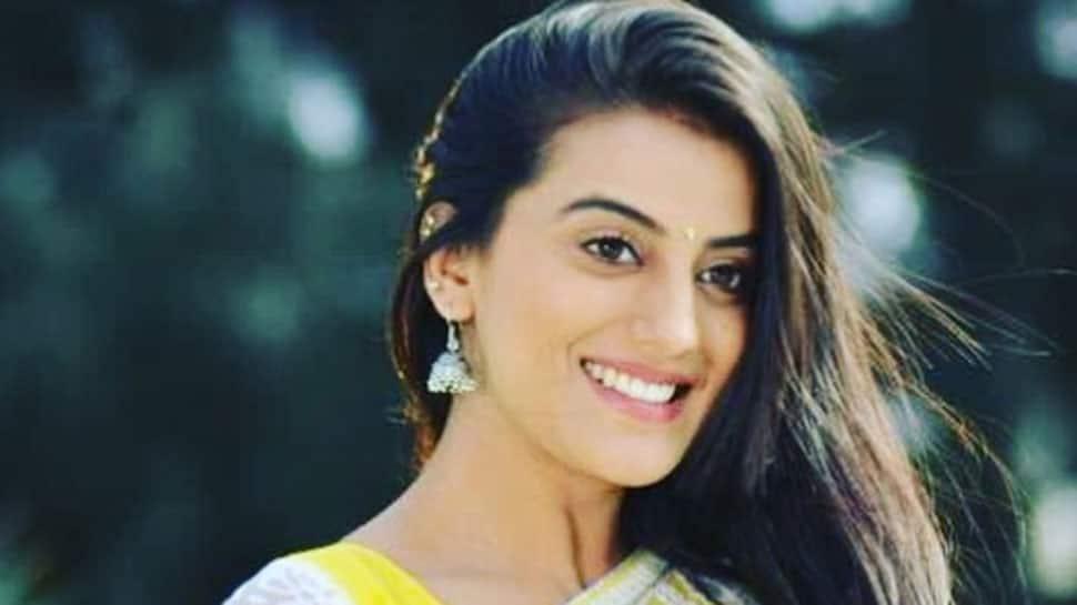 Akshara Singh grooves to 'Chadti Jawani Meri' song, shares video on Instagram—Watch