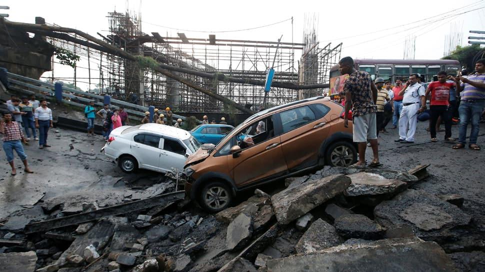 At least one killed, 25 injured as 40-year-old Majerhat bridge collapses in Kolkata
