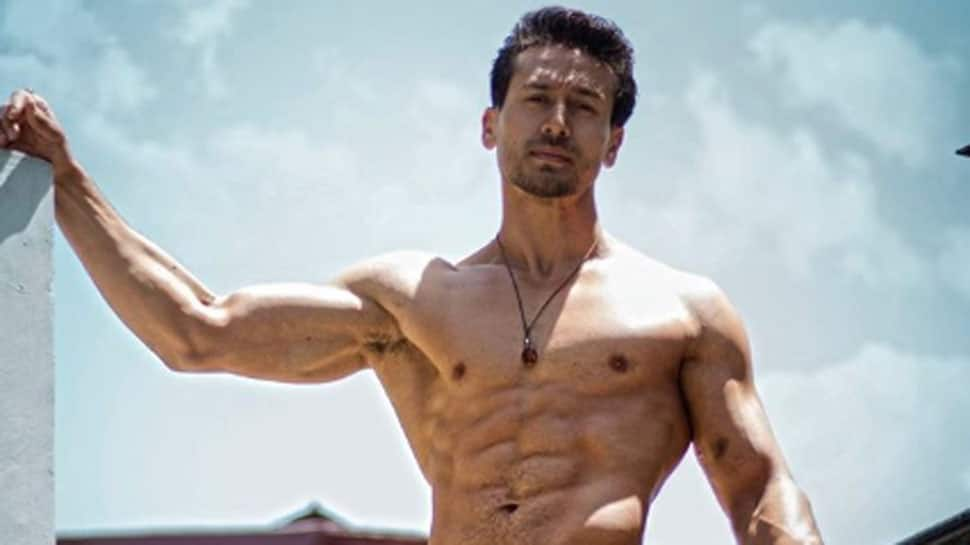 Tiger Shroff's dance break between 'Student Of The Year 2' shoot is a must watch!