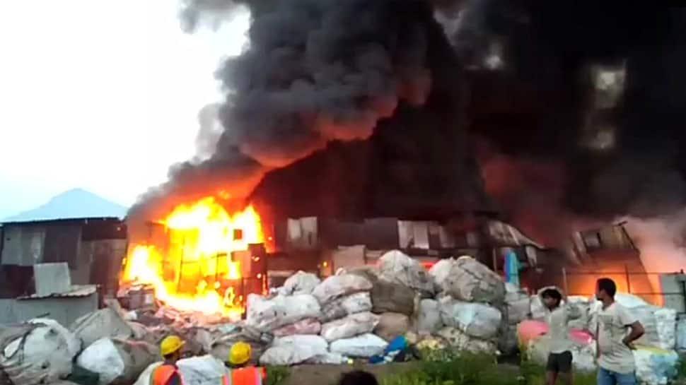 Maharashtra: Fire breaks out in Mumbra's Khan compound godown, fire tenders reach spot