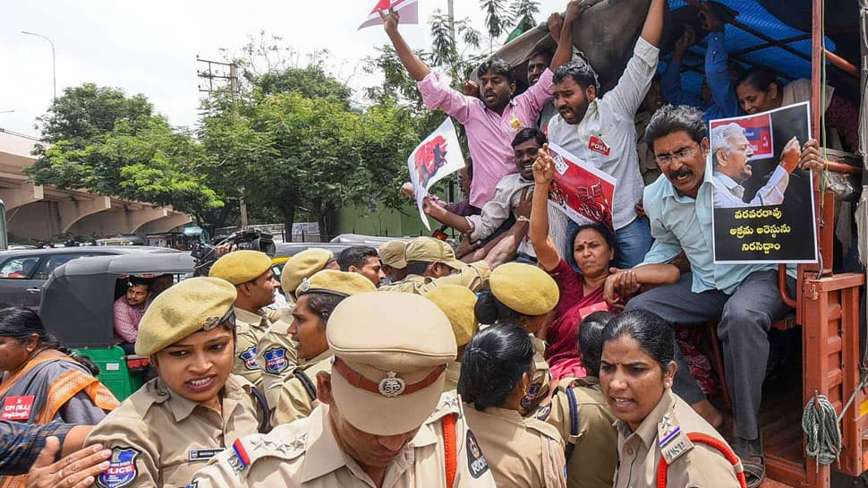 Bhima Koregaon raids: SC extends house arrest of 5 activists till September 17