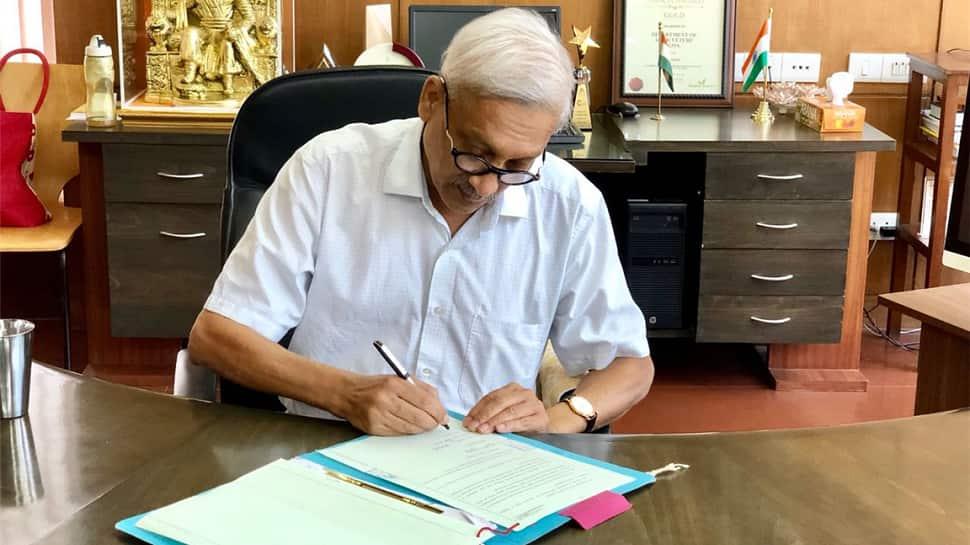 Manohar Parrikar struggling with allies, may dissolve Goa Assembly, alleges state Congress leader Girish R. Chodankar