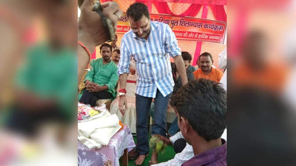 BJP worker washes party MP's feet in Jharkhand, then drinks that water; MP asks 'what's wrong?'