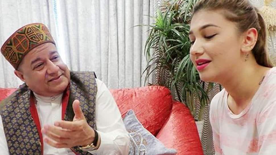 Bigg Boss 12: Housemates question Anup Jalota-Jasleen Matharu about their relationship-Watch
