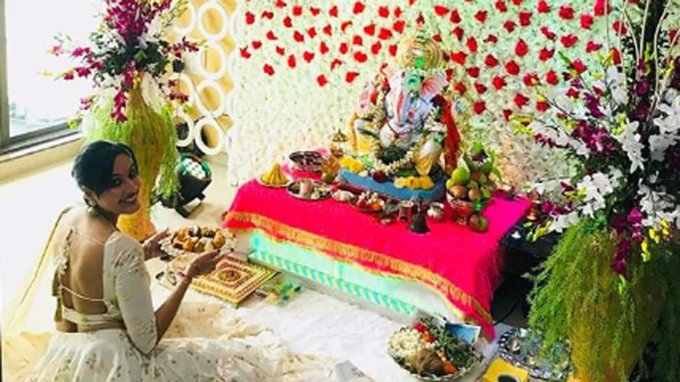Kamya Punjabi is a huge Bappa devotee—Check out pics from her Ganpati celebrations at home