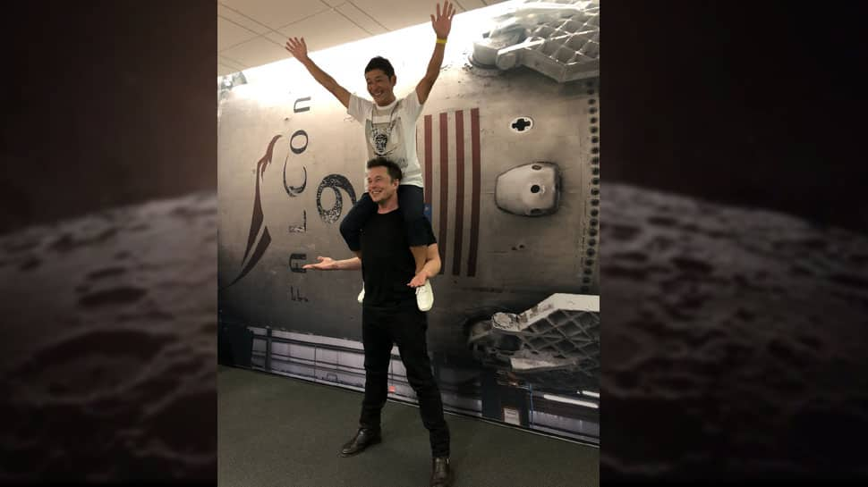 SpaceX's first Moon tourist is Japanese billionaire Yusaku Maezawa. And he's bringing 8 artists with him