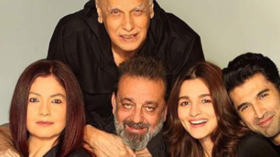 Alia Bhatt's latest post with 'Sadak 2' family will leave you awestruck—Pic