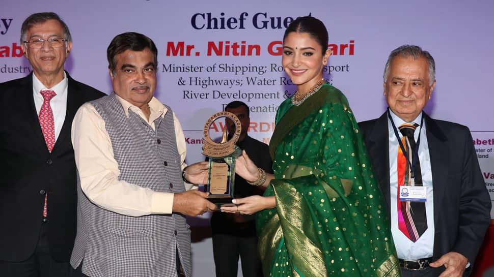 Receiving Smita Patil award validates my choices, says Anushka Sharma