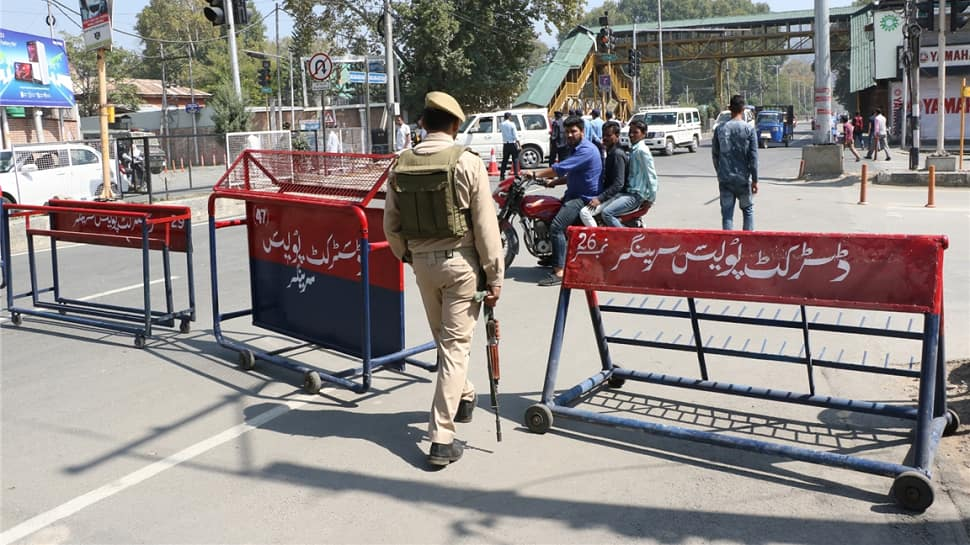 3 J&K policemen quit hours after Hizbul allegedly issues video threat, kills abducted cops