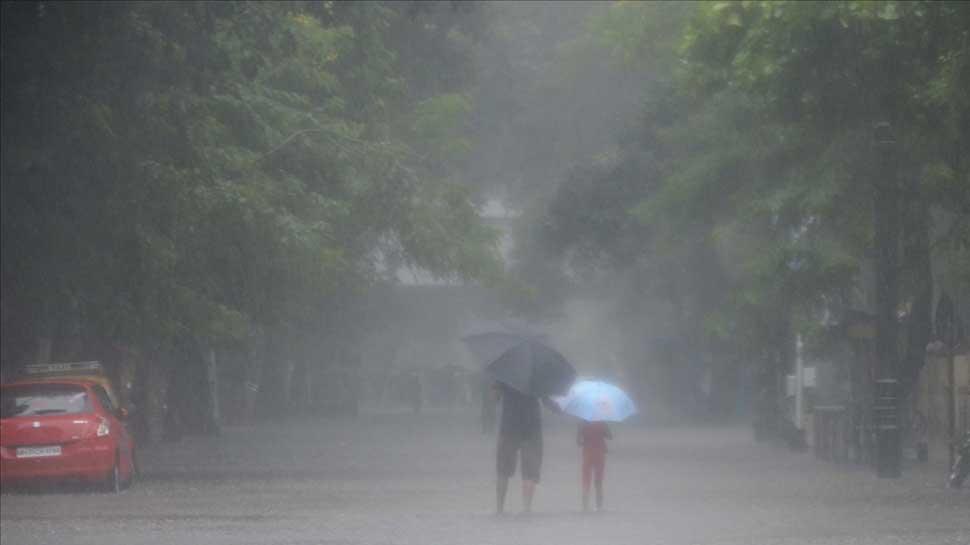 Heavy rainfall lashes Himachal Pradesh, snowfall in Spiti