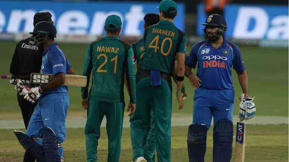 Pakistan coach Mickey Arthur concedes confidence crisis following 9-wicket loss against India