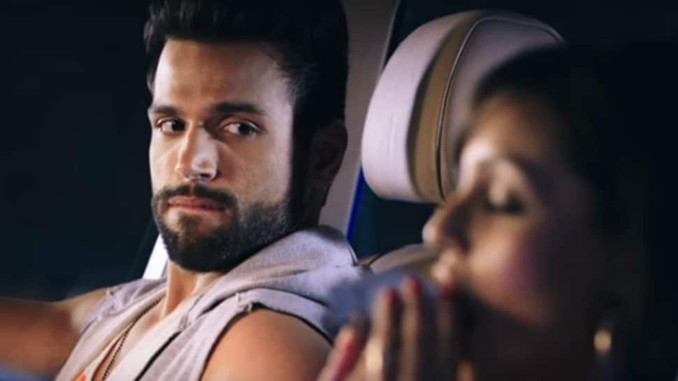 Trailer of Alt Balaji's 'XXX' web-series starring Rithvik Dhanjani is too hot to handle