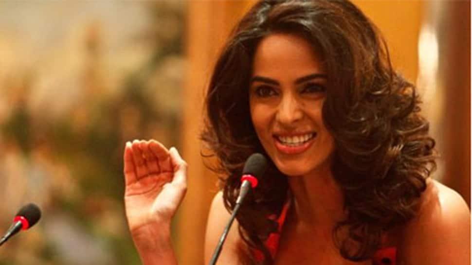 Mallika Sherawat supports FIAPO to promote veganism