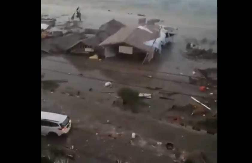 Indonesian city Palu hit by tsunami after powerful earthquake