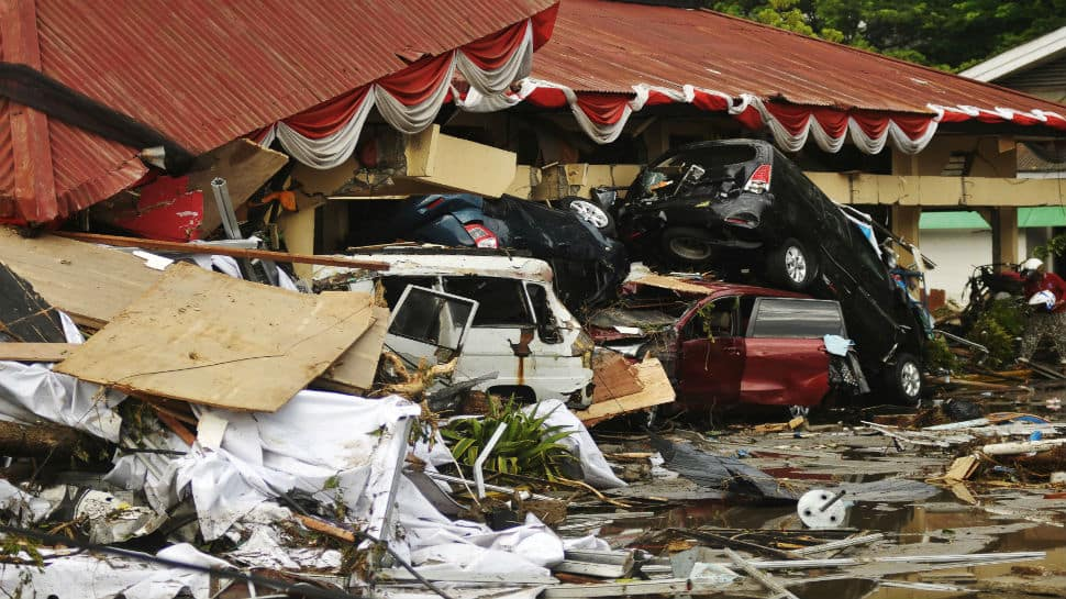 Death toll reaches 405 after earthquake and tsunami in Indonesia