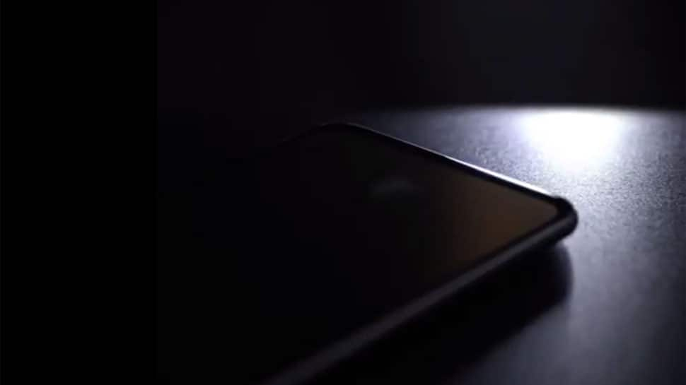 OnePlus 6T latest teaser out, indicates bezel-less design, in-screen