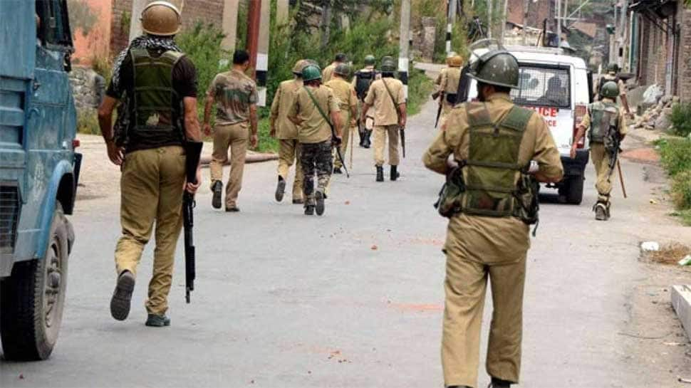 J&K: Police officer, who decamped with weapons from MLA's house, joins Hizbul