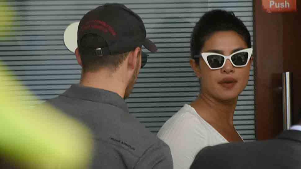 Priyanka Chopra, Nick Jonas spotted at Kalina airport — Photos inside
