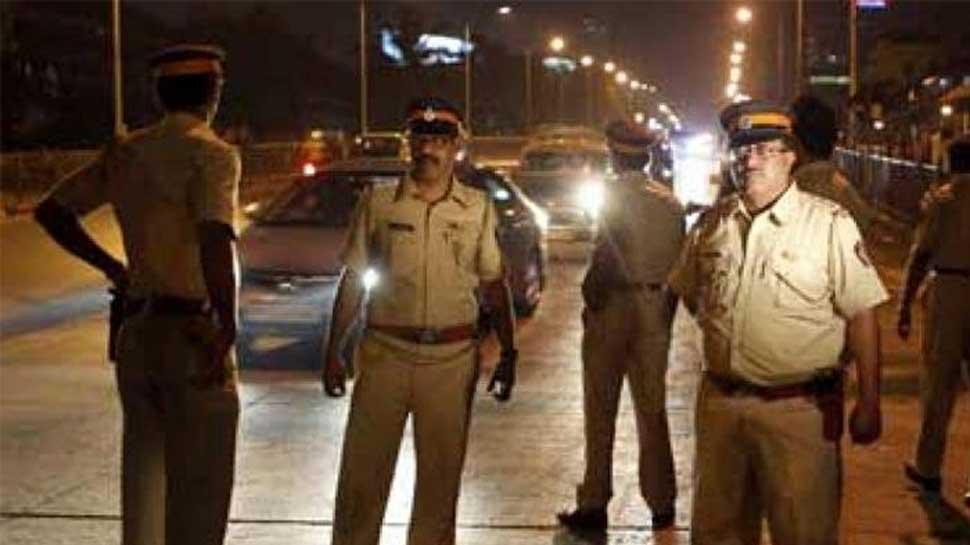 BJP mahila morcha lodges complaint against three cops