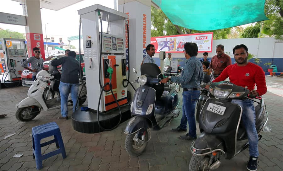 After Centre's appeal, key states slash petrol, diesel prices by Rs 5 per litre