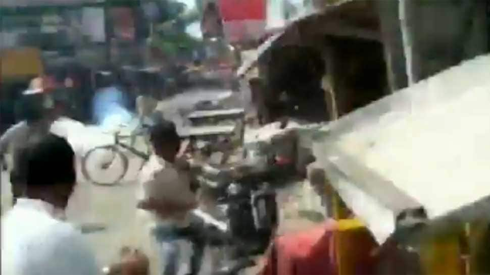 Undertrial prisoners make dramatic bid to escape from police custody in West Bengal - WATCH