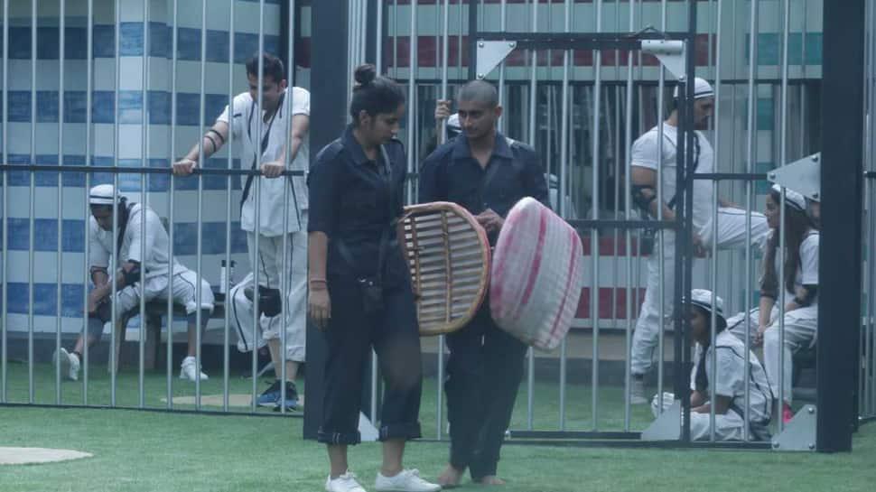 Bigg Boss 12 written updates: Deepak Thakur creates ruckus inside the house