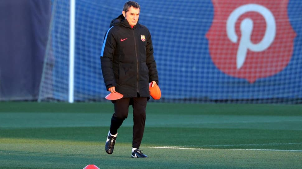 Barcelona undergo training without 10 international players with Suarez, Roberto sidelined as well