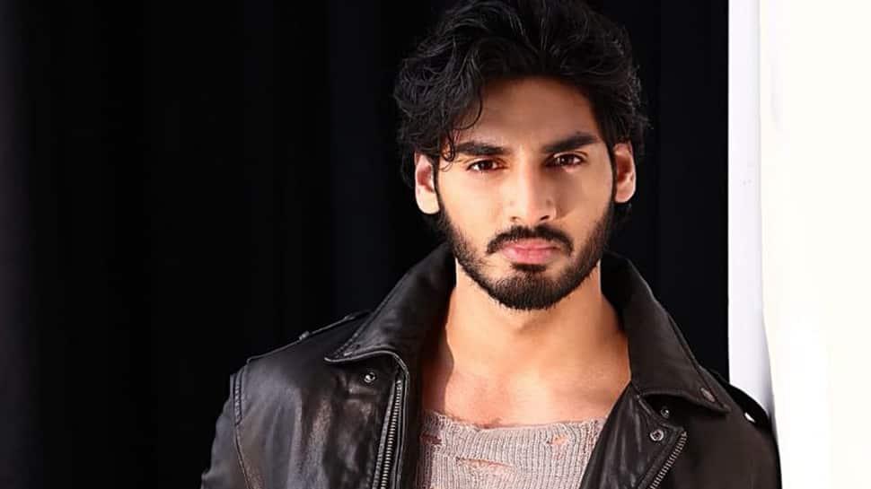 Never give up: Suniel tells son Ahan Shetty