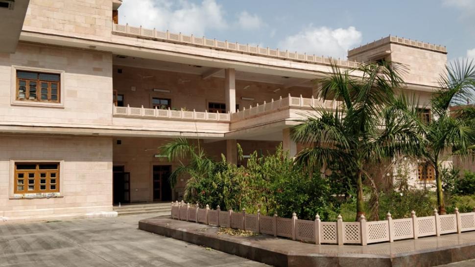 Shivpal Singh Yadav allotted bungalow constructed as per Mayawati's likings