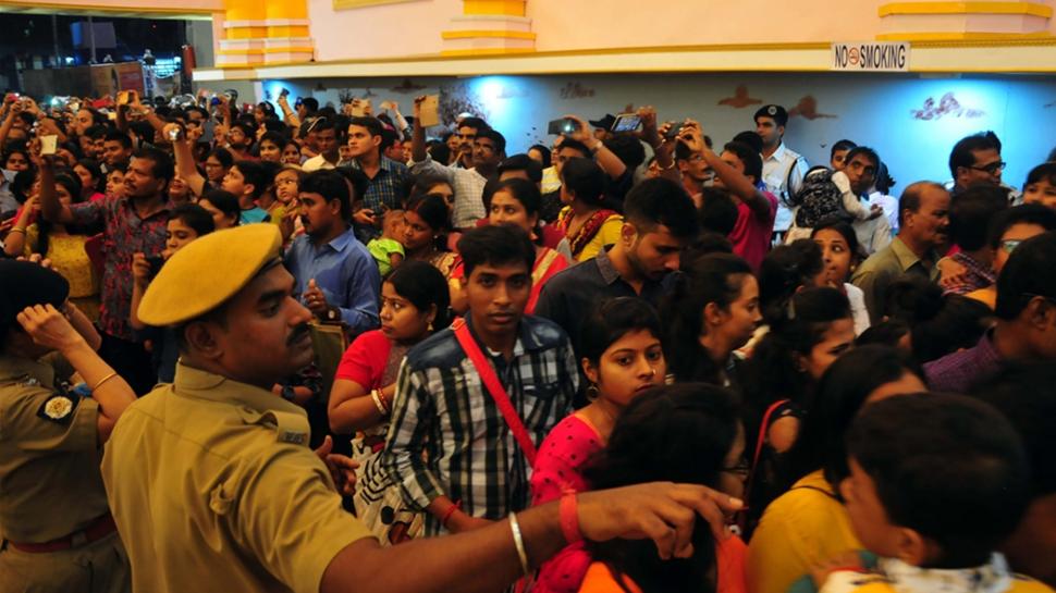 Fearing risk of collapse, Laketown foot overbridge in Kolkata shut for Durga Puja