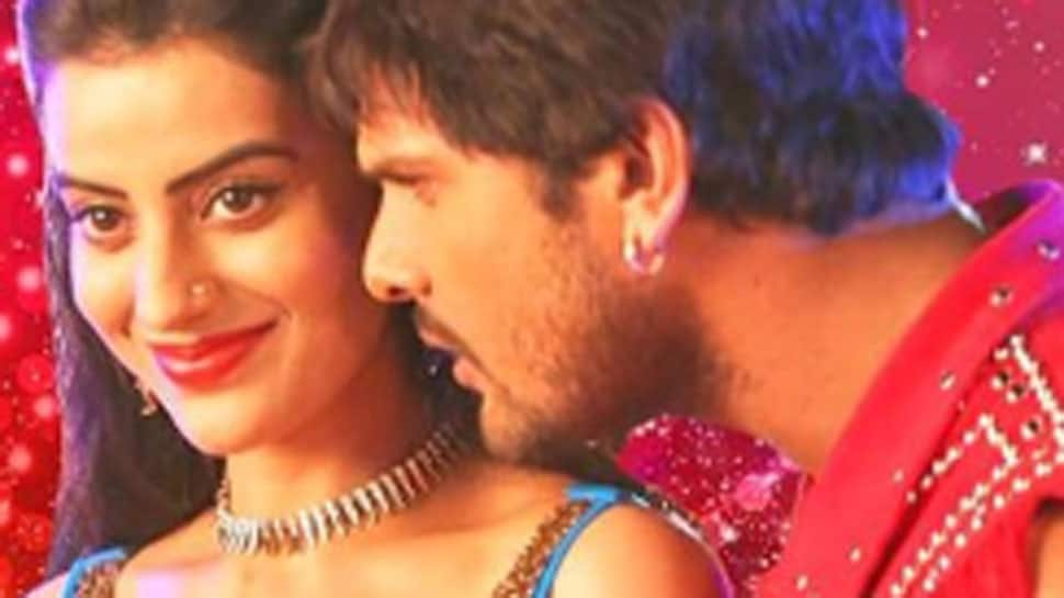 Khesari Lal Yadav and Akshara Singh's chemistry in Dhoka Deti Hai song is unmissable - Watch
