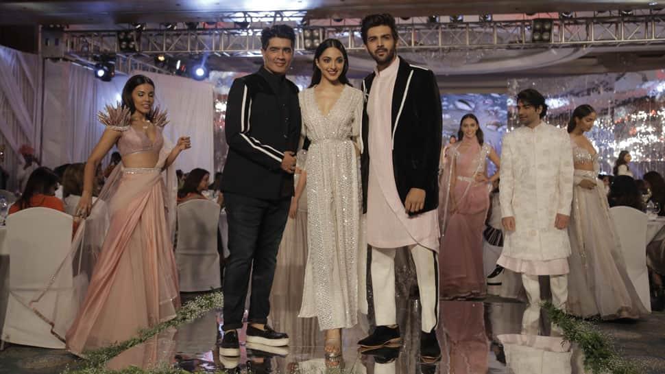 Kartik Aaryan Kiara Advani Sizzle On Ramp For Manish Malhotras Festive Collection Video Pics