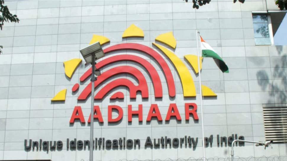 Govt orders telcos to stop using Aadhaar for verifying existing mobile customers