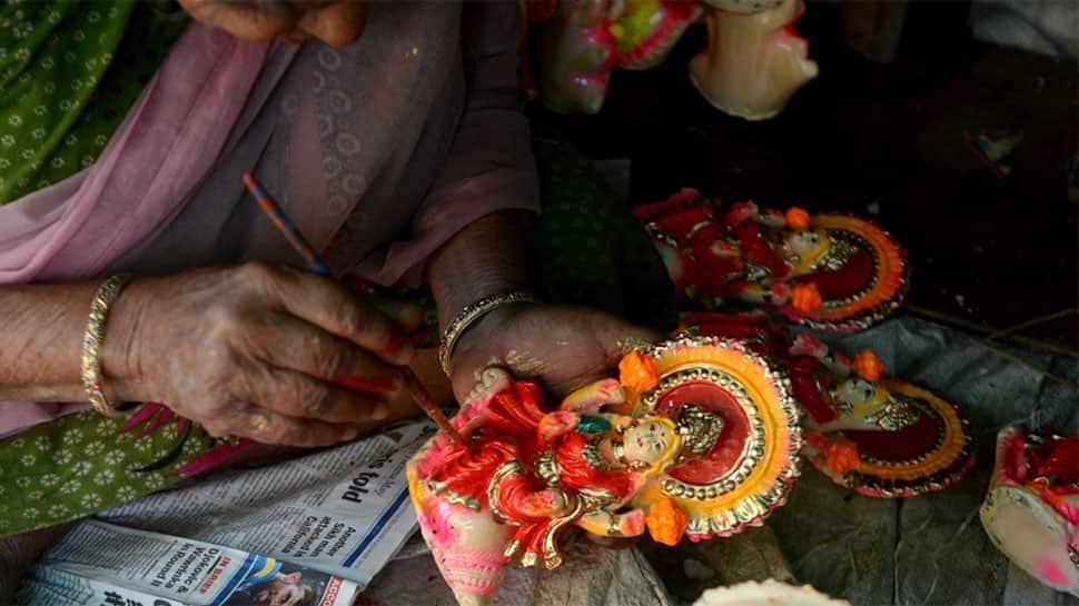 Diwali 2018: Lakshmi Pujan Tithi, Timings and Vidhi