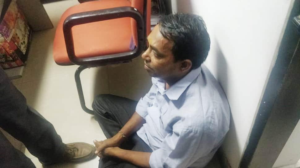 Red chilli powder thrown at Arvind Kejriwal outside CM chamber at Delhi secretariat