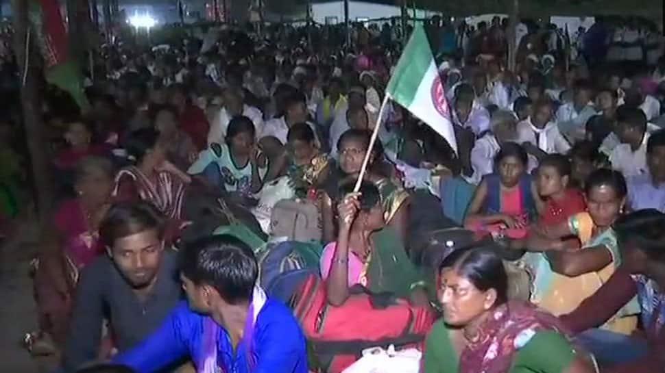 Farmer protest at Mumbai's Azad Maidan called off after getting assurance from Fadnavis